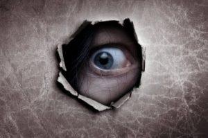 peeping-tom-eye-hole